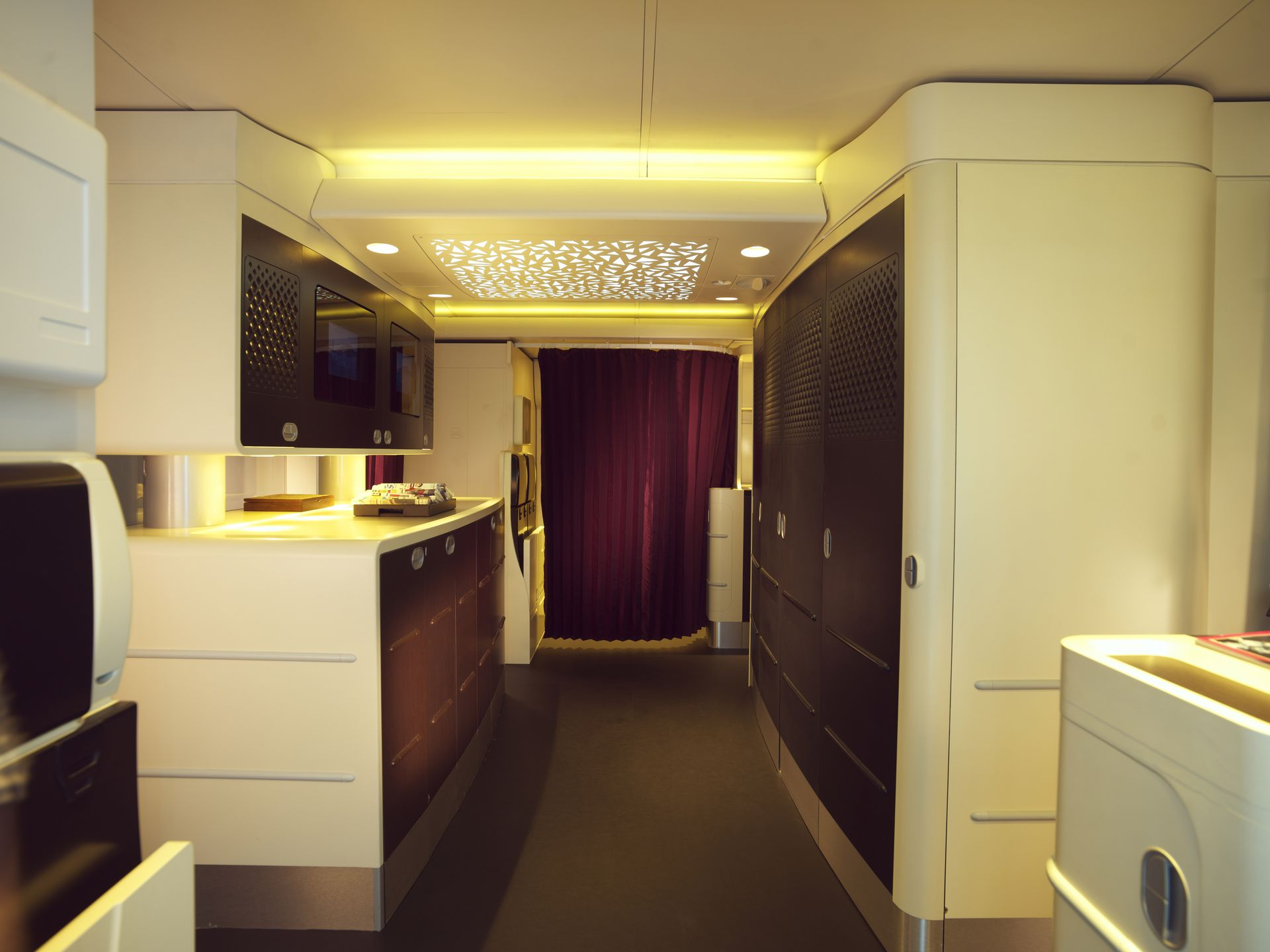 1399311863000--2A380-GALLEY
