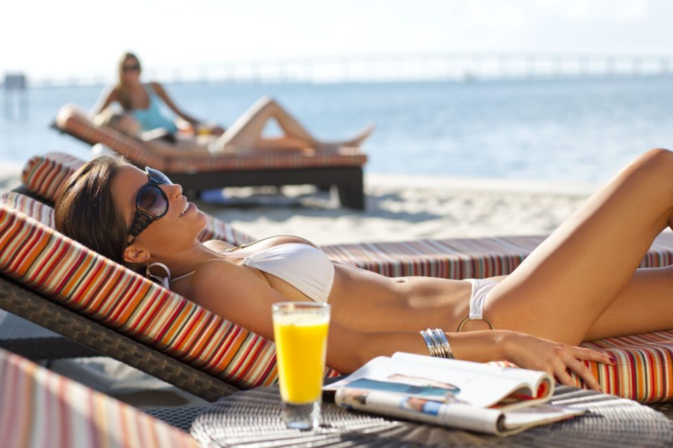 miami-oasis-beach-club-relaxation-2