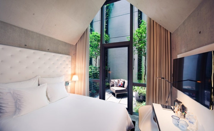 M-Social-Singapore-hotel-by-Philippe-Starck-Singapore-03