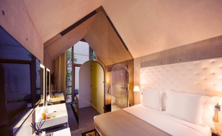 M-Social-Singapore-hotel-by-Philippe-Starck-Singapore-05