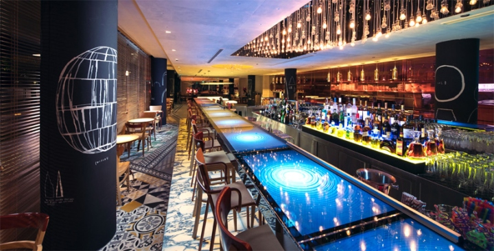 M-Social-Singapore-hotel-by-Philippe-Starck-Singapore-09